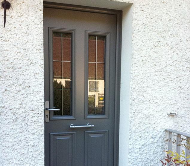 Pose de fen tres portes fen tres et baies vitr es for Porte fenetre style atelier